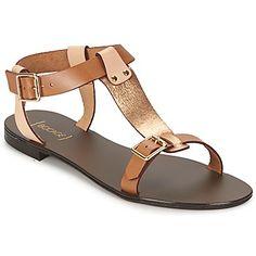 Esta #sandalia es el must-have de los dressings femeninos, es de bocage y nos encanta. Un modelo perfecto para este verano. #zapatomujer
