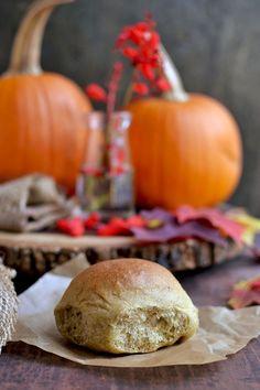 Pumpkin Dinner Rolls for #BreadBakers -- Cook's Hideout