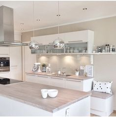 Love the light work tops & pendant lights Dream kitchen! Love the light work tops & p Home Decor Kitchen, Kitchen Interior, New Kitchen, Interior Design Living Room, Home Kitchens, Cuisines Design, Küchen Design, Modern Kitchen Design, Home And Living