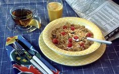 Make healthy food choices throughout the day by having a high-protein breakfast. High Protein Breakfast, Breakfast Cereal, Breakfast Ideas, Breakfast Time, Breakfast Recipes, Netherlands Food, Weight Watchers Plan, Hamster Eating, Mexico Food