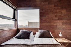 Bekijk deze fantastische advertentie op Airbnb: MARIA luxury villa south-west   - Huizen te Huur in Vesturland