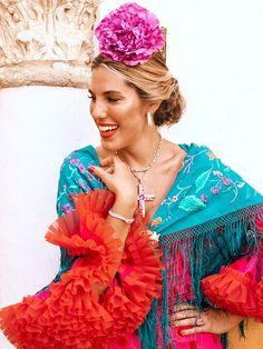 Feria de Abril: un día con Eugenia Osborne, Natalia Cebrián, Carla Hinojosa y Marta Carriedo - Foto 4 Spanish Dress Flamenco, Spanish Style, My Drawings, Colours, Lady, Model, Inspiration, Dresses, Fashion