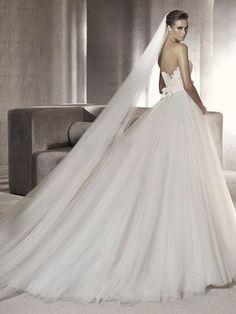 White A-line/Princess Hjärtformad Kapell Tåg rmlös Tyll Wedding Dresses för 6 839 kr