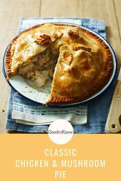 This chicken and mushroom pie recipe is the ultimate comfort food. Its made with double cream, white wine and thyme is a family favourite all year long Tasty Chicken Curry, Yummy Chicken Recipes, Yum Yum Chicken, Turkey Recipes, Pie Recipes, Cooking Recipes, Chicken And Mushroom Pie, Recipes From Heaven, Kitchens