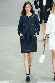 Chanel Spring 2015 Ready-to-Wear Fashion Show - Kati Nescher (Viva)