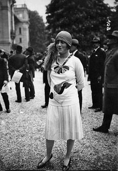 1920s Fashion Model   Via: sydneyflapper.tumblr.com