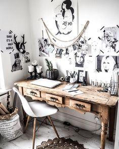 Kreatives und vor allem dekoratives Chaos am Arbeitsplatz. Umgeben von schönen Portraits inspirierender Personen arbeitet es sich doch fast wie von selbst #vintagehomeinteriordesign