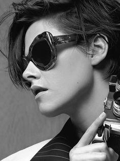 Kristen Stewart na campanha Spring 2015 dos óculos Chanel