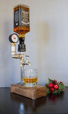 Liquor Alcohol Whiskey wood Dispenser Jack Daniels Gifts Gift for Him Fathers Day Gift Birthday gifts Gift for dad Whiskey Dispenser, Alcohol Dispenser, Drink Dispenser, Alcohol Bar, 40th Birthday Gifts, 21st Gifts, Jack Daniels Anniversaire, Valentines Day Gifts For Him, Gifts For Dad