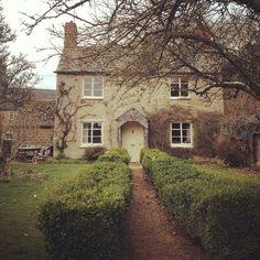 Pretty Cottage In The Country...