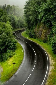 Rainy winding road [location and photographer unknown] cr.☔️