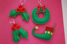 Felt Christmas ornaments Holly elves shoe and wreath. Set