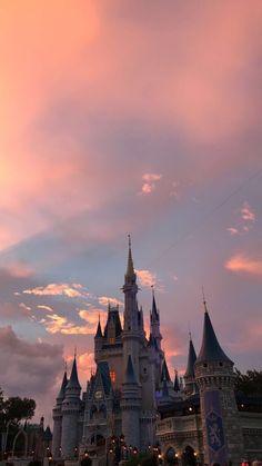 - #fondecran Disney Phone Wallpaper, Iphone Background Wallpaper, Tumblr Wallpaper, Disney Phone Backgrounds, Pink Wallpaper, Lock Screen Wallpaper, Disney Aesthetic, Sky Aesthetic, Travel Aesthetic