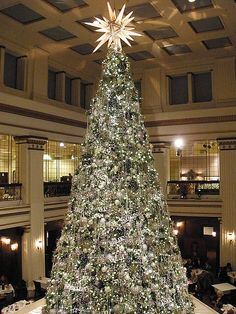 The best Christmas Tree every year is at the Walnut Room at Macy's (Marshall Fields) in Chicago! Christmas Store, Christmas Makes, Merry Little Christmas, Beautiful Christmas, Christmas Fun, Vintage Christmas, Chicago Christmas, Silver Christmas, Xmas Tree