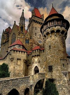 Burg Liechtenstein, Austria. The Ottoman Empire destroyed this amazing castle during their invasion of Austria in the 1500s. It was rebuilt in 1884. Vila Medieval, Chateau Medieval, Medieval Castle, Gothic Castle, Fairytale Castle, Medieval Tower, Viena,  Austria, Austria Travel