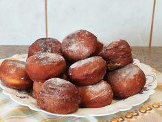 Reteta culinara Desert gogosi cu branza de vaci din categoria Dulciuri. Specific Romania. Cum sa faci Desert gogosi cu branza de vaci Lidl, Pretzel Bites, Bread, Cookies, Food, Bulgur, Crack Crackers, Biscuits, Meal
