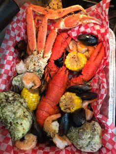 Seafood-Lobster, crab legs, oysters, shrimp & mussels