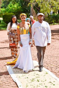 Bontle Bride features real weddings with a flavour of culture, plus wedding tips, ideas, tricks and money saving articles. Wedding Tips, Wedding Blog, Wedding Gowns, South African Tribes, Traditional Wedding Decor, South African Weddings, African Fashion Dresses, Wedding Decorations, Bride