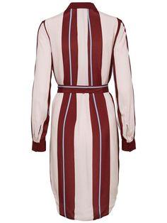 Selected Femme Langes Viskose Hemd für 119,99€. Geschmeidiger Stoff, Der Gürtel hebt deine Taille hervor, Das Model ist 177 cm groß und trägt Größe S/36 bei OTTO