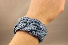 Crochet Bracelet Infinity Link Cuff Crochet Jewlery by OnTheHook Knit Or Crochet, Crochet Crafts, Yarn Crafts, Hand Crochet, Crochet Projects, Bracelet Infinity, Purse Strap, Belt Purse, Bikinis Crochet