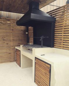 Decorating Tips for Outdoor Kitchen Ideas & Renovation . Find ideas for Kitchen with many of inspiring photos from design professionals. Outdoor Barbeque Area, Outdoor Bbq Kitchen, Patio Kitchen, Bbq Area, Outdoor Kitchen Design, Outdoor Cooking, Barbecue Design, Grill Design, Parrilla Exterior
