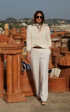 Get inspired and discover Giuliva Heritage Collection trunkshow! Shop the latest Giuliva Heritage Collection collection at Moda Operandi. Linen Trousers, Short Outfits, Fall Outfits, Casual Outfits, Cashmere Sweaters, Style Inspiration, Fashion Design, Women's Fashion, Fashion Outfits