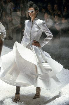 Alexander McQueen Fall 1999 Ready-to-Wear Collection Photos - Vogue