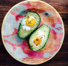 Broiled-Egg-in-Avocado