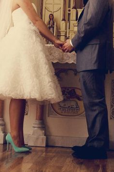 I do!    The dress, the shoes, so perfect.