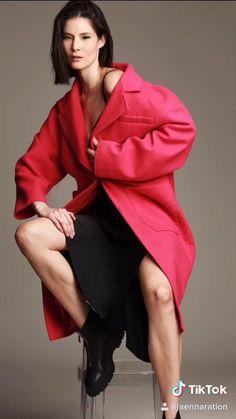 Fashion Poses, Fashion Shoot, Photography Poses, Fashion Photography, Modeling Tips, How To Pose, Photo Tips, Challenges, Photoshoot