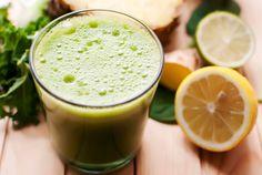 Turmeric Anti Inflammatory, Anti Inflammatory Smoothie, Easy Green Juice Recipe, Green Juice Recipes, Weight Loss Smoothies, Healthy Smoothies, Healthy Drinks, Green Smoothies, Healthy Food