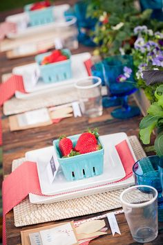 berry place settings