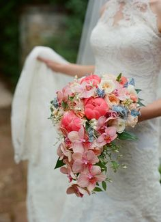 Cascade Bouquet | Holly Heider Chapple Flowers | Kate Headley Photography
