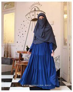aa Syaa Allah.. Ko ada ya gamis linen japan harga semurah ini, Bener2 bahan nya super adem, ringan, senyaman ini sihh pake dress ini✨ Niqab Style, Niqab Fashion, Face Veil, Islamic Girl, Beautiful Hijab, Modest Outfits, Peace, Clothes, Beauty