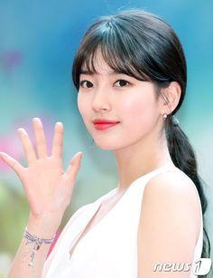 Suzy Considers Reunion with Lee Seung-gi in 'Vagabond' Korean Star, Korean Girl, Asian Girl, Korean Beauty, Asian Beauty, Sheryl Lee, Singer Fashion, Lee Seung Gi, Bae Suzy