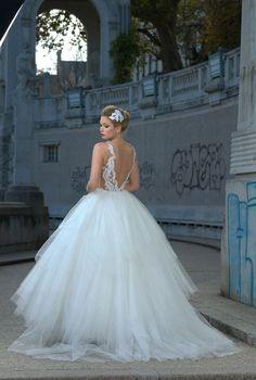 Vestido Solaine Piccoli coleção 2014 Looking for Love Foto Everton Rosa Produção Niely Hoetsch #wedding #weddingdress #bride #noiva #vestidodenoiva #casamento #love #luxo #amor