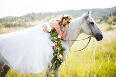 Bride on a Horse | Horse + Flower Crown Styled Shoot | COUTUREcolorado WEDDING: colorado wedding blog + resource guide