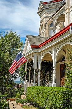 HILL HOUSE ~ St. Joseph, Missouri ~ Copyright ©2013 Bob Travaglione ~ ALL RIGHTS RESERVED ~ www.FoToEdge.com