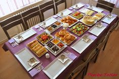 Pembe Tatlar: Kuzenlerle Kahvaltı :) Eid Breakfast, Breakfast Table Setting, Turkish Breakfast, Breakfast Presentation, Food Presentation, Iftar, Deco Table, Snacks, Decoration Table