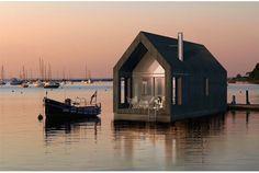 船に住まう!? シンプルで快適なハウスボート | roomie(ルーミー)