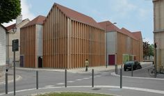 Architects: Colomès + Nomdedeu Architectes Location: Troyes, France Project area: 1,600 sqm Project year: 2009 Photographs: Guilhem-Ducléon, JM
