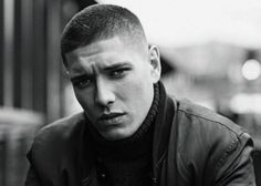 Short haircuts for men are the go-to haircut styles for most guys. Here are pictures of the latest short haircut styles for men to get right now. Very Short Hair Men, Short Hair Cuts For Round Faces, Very Short Haircuts, Short Haircut Styles, Round Face Haircuts, Trendy Haircuts, Popular Haircuts, Hairstyles Haircuts, Toddler Hairstyles