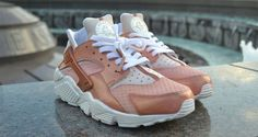 "Nike Air Huarache ""Pearlie Raibon"" Custom by BagoCustoms"