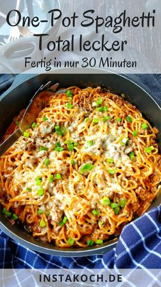 One Pot Spaghetti – Super lecker, super einfach – Tolle Past… – Healthy Recipes One Pot Spaghetti, One Pot Pasta, A Food, Food And Drink, Italian Dishes, Chipotle, Easy Cooking, Chicken Recipes, Easy Meals