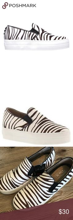 💝WED SALE💝NWT SKECHERS RISE ZEBRA SNEAKERS SZ 8 New with Skechers tags as shown without box Skechers rise fit slip on sneakers in zebra print size 8 zebra print is white and brown 💕price firm on wed sale unless bundled with another item💕 Skechers Shoes Sneakers