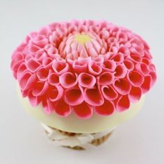 Dahlia Cupcake by Cupcakes by Heather & Lori. But in red! Floral Cupcakes, Pink Cupcakes, Wedding Cupcakes, Beautiful Wedding Cakes, Beautiful Cakes, Fondant Cakes, Cupcake Cakes, Mini Cakes, Dessert From Scratch