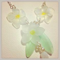 プルメリアネックレス #plumeria #shrinkplastic #necklace #プラバン #プラ板 #shrinkydinks