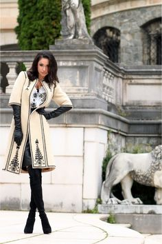 Fashion inspired by traditional Romanian clothing Hijab Fashion, Fashion Outfits, Womens Fashion, Jacket Style, Shirt Style, Cape Designs, Mode Style, Trench Coats, Coats For Women