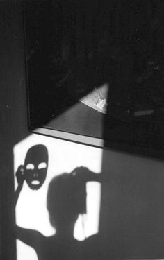 Gorgeous Fine Art Self-Portrait Photography by Rosie Hardy Shadow Photography, Conceptual Photography, Art Photography, Pattern Photography, Photography Projects, Conceptual Art, Rosie Hardy, Black And White Aesthetic, Light And Shadow