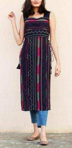 Sleeves Designs For Dresses, Dress Neck Designs, Kurti Neck Designs, Kurti Designs Party Wear, Casual Indian Fashion, Indian Fashion Dresses, Indian Designer Outfits, Fashion Outfits, Fancy Dress Design